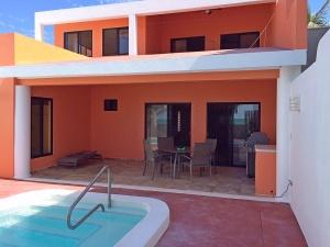 pool 045